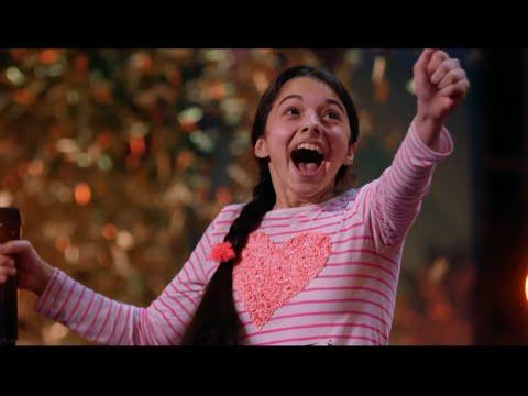 素晴らしいの一言。二の国でゴールデン獲得の13歳の神の子の歌声。オーデションで審査員や観客が神が遣わしたと言わした美少女が America s Got Talent  に登場。