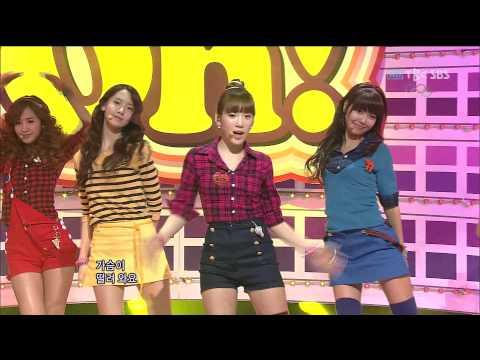注意左後方那三個人 SNSD OH!!