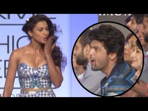 Gauhar Khan BLOWS KISSES to Kushal Tandon @LFW 2014