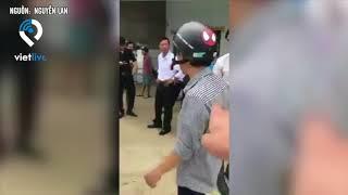 Bến Tre: Thanh niên say rượu tự ngã xe rồi xuống ăn vạ xe ô tô