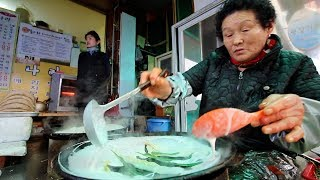 KOREAN STREET FOOD Tour in PyeongChang, Korea   RARE STREET FOOD in KOREA + BEST PLUMP Dumplings!!