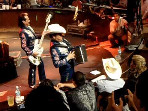 Los Tigres del Norte - La Granja (en vivo) en Palenque Expogan 2011 Hermosillo Sonora México