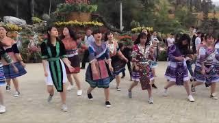 Nóng Hết Cả Người Khi Xem Điệu Nhảy Tại Thung Lũng Hoa Bắc Hà - Lào Cai
