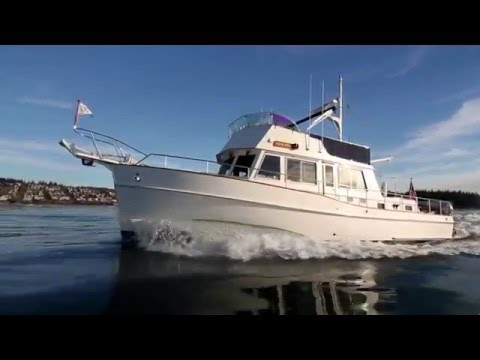 2003 Grand Banks 42' offerered for sale. Classic efficient trawler yacht.