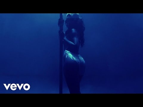 Baixar Rihanna - Pour It Up (Explicit)