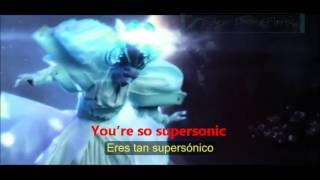 Katy Perry -E.T ft Kanye West.Video.(Lyrics+Español)