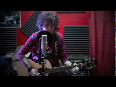 Baixar Massimo Gerini - Heroes (David Bowie acoustic cover)