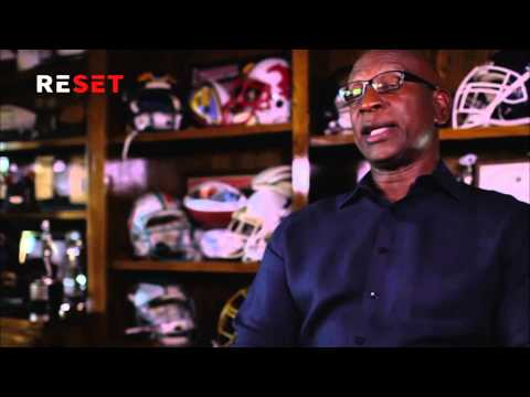 Eric Dickerson Plays Golf