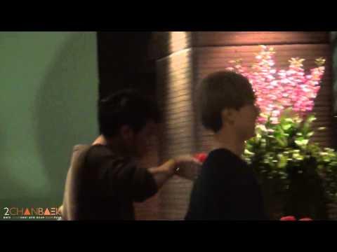 [Fancam] 121126 EXO ♥ @ Lounge  Suvarnabhumi Airport ~ Yummy!! ^O^  #SMTBKK