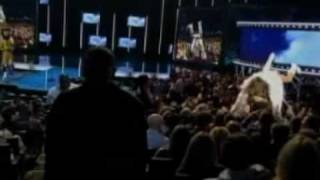 Bruno drops in on Eminem at MTV Awards