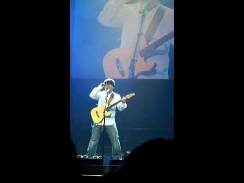陈奂仁-没出息 (live @ sammi cheng, Love MI, sydney 2010)
