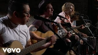 Young Rising Sons - Red & Gold - Vevo dscvr (Live)