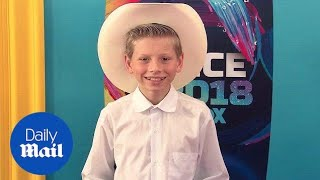 Yodel kid Mason Ramsey makes his presence known at Teen Choice - Daily Mail