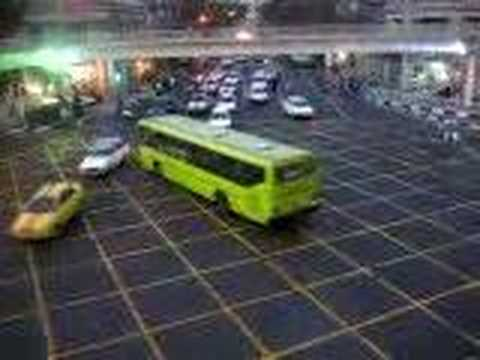Szalone skrzyżowanie w Iranie