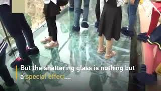 ----Tourist terrified by new glass walkway that cracks under weight----