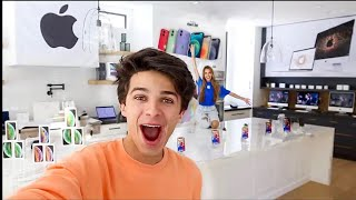 WE OPENED AN APPLE STORE IN MY HOUSE!!Brent Rivera