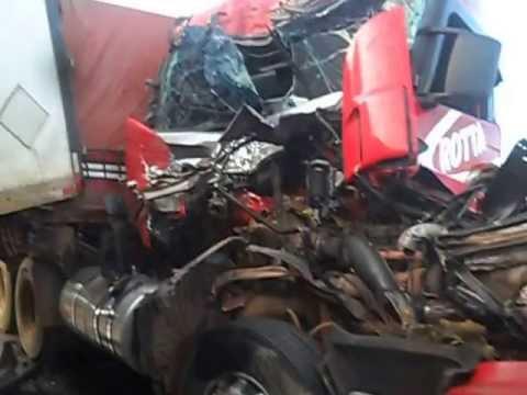 Imagens Fortes: Grave acidente na BR 364 rosario sentido jangada