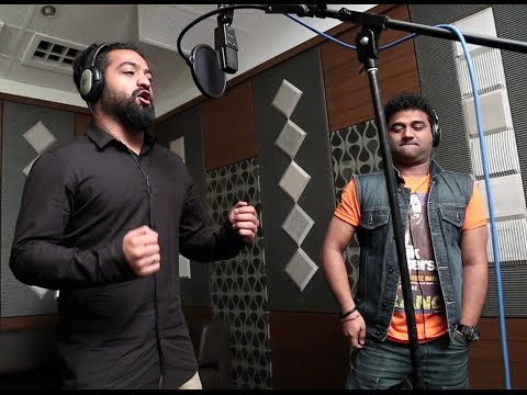 Follow-Follow-Song-From-Naannaku-Prematho-Movie
