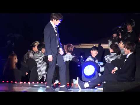 150122 GOT7 reaction to BTS 'Boy in Luv' @ SMA