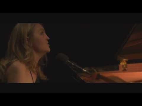 Addie - Addie - Le Port de la Gare (Official music video)