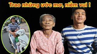 Trao quà Việt kiều đầy cảm động cho bà Tám 82 tuổi cuối đời chỉ thèm miếng thịt kho - Guufood