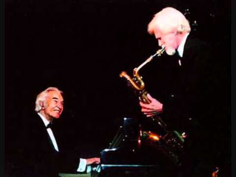 Gerry Mulligan and Dave Brubeck -- Santa Claus is Coming to Town