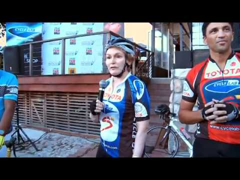 Cycle Lab - Helen Zille trains on Cape Town Cycling Lane