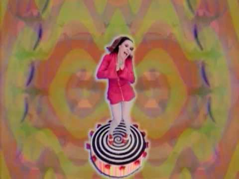Deee-Lite - Groove Is In The Heart (Official Video)