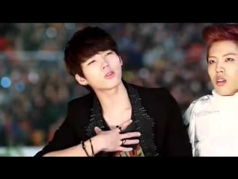 121214 WOOHYUN&DONG WOO during AILEE's perf of Raise Me Up FULL FANCAM!