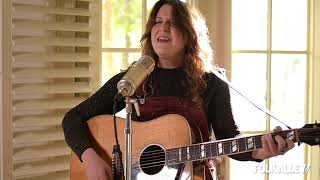 "Folk Alley Sessions at 30A: Caroline Spence - ""Mint Condition"""