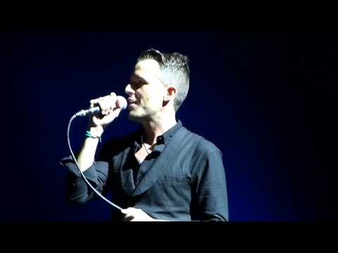 The Killers - Don't Look Back in Anger (Oasis cover) live V Festival Weston Park 18-08-12