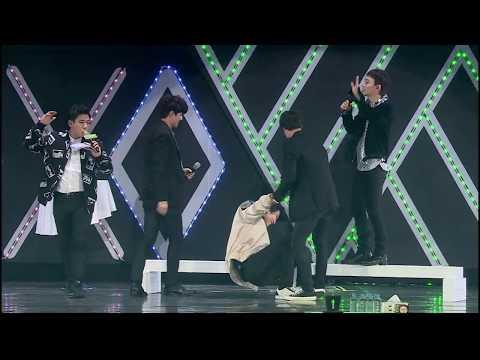 Chanyeol và tình yêu với cái sàn =)) #BALANCE