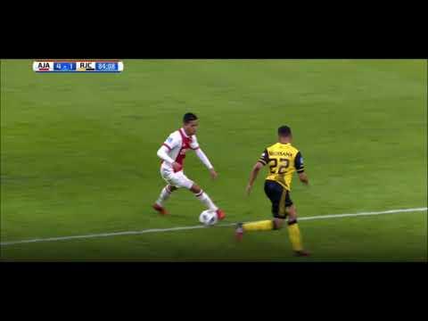 Con trai huyền thoại Kluivert khống chế bước một đỉnh như Ronaldinho