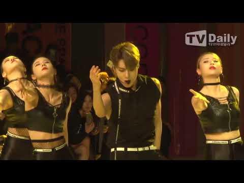 [TD영상] 태민, 패션위크 분위기를 달구는 'MOVE' 무대 (Seoul Fashion Week Tae min)