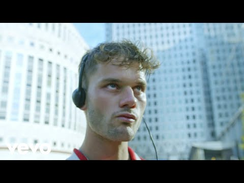Friendly Fires - Heaven Let Me In (Official Video)