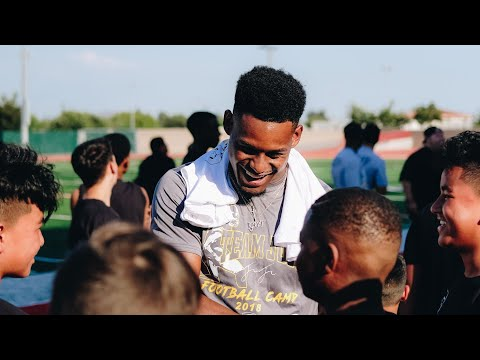 Camp JuJu: JuJu Dances with Fans in Long Beach!