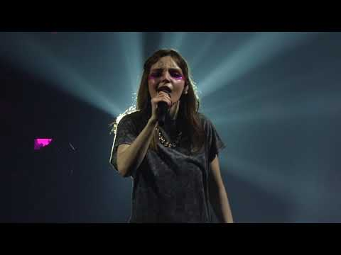 Chvrches - The Mother We Share live Victoria Warehouse, Manchester 14-02-19
