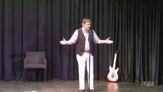 Video fDA4y0lflyc: Akuzativo (la esenco de la vivo) - Liven Dek
