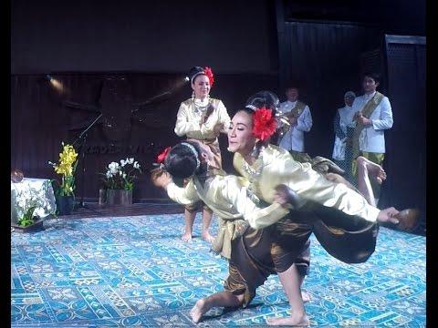 Traditional Thai Dance - Sengkapoh (Coconut Dance)