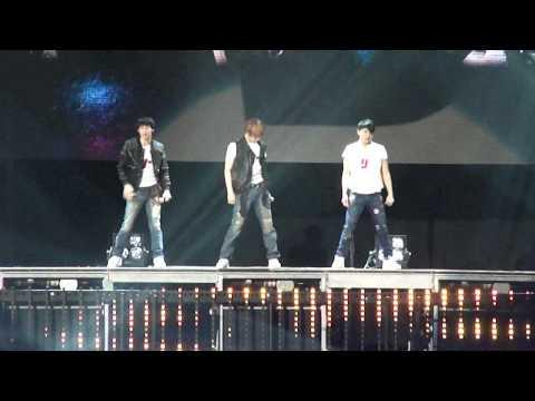 [Fancam] JYJ World Tour LA-Get Out