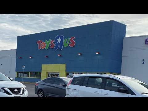 """Visiting Toys""""R""""Us in 2019"""