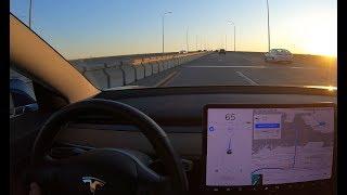 Tesla Autopilot Drives Straight Towards Concrete Barrier on Highway