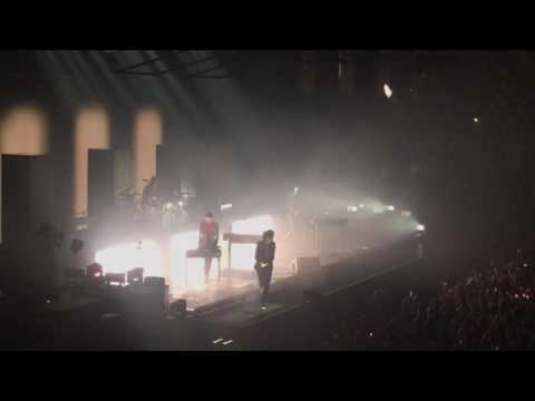The 1975 - Loving Someone - Live - Manchester Arena - 13th December 2016