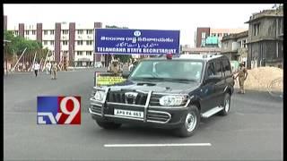 KCR meets Ananth Kumar for revival of Ramagundam fertilise..