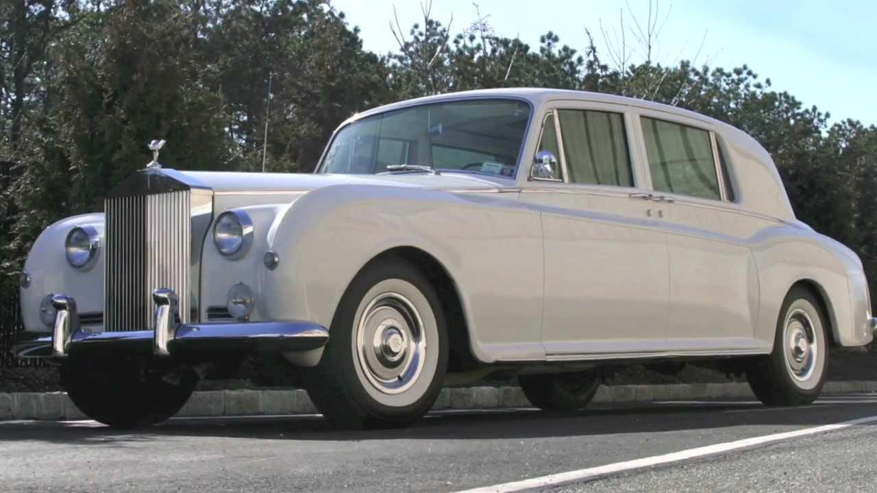 Vintage Rolls Royce Phantom 32