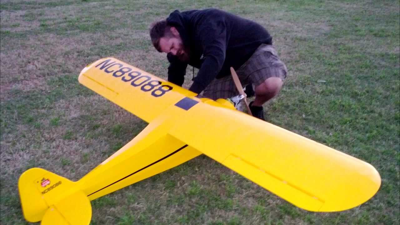 Hobbyking 2310mm CMPRO J3 cub maiden - YouTube