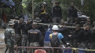 Oxygen running out as boys remain trapped in Thai cave