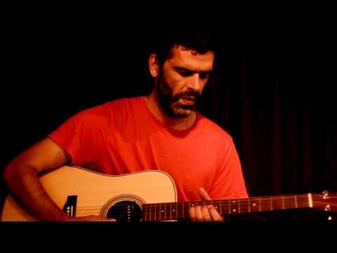Tona  Manuel Mota na Trem Azul online metal music video by MANUEL MOTA