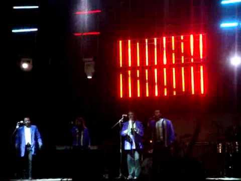 DJ GATOLIN PRECENTA A LOS DUKES DE APIZACO TLAX EN SANTA CRUZ AQUIAHUA 11 11 2011