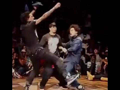 صلاح انترتينر يتغلب التوام الفرنسي لوحده في الرقص اثنين ضد واحد